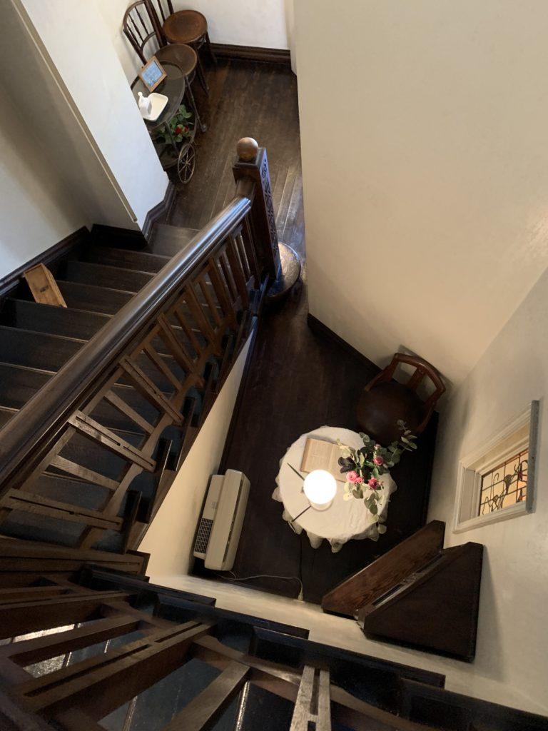 GOSPEL(ゴスペル) 京都カフェ 内装 階段 アンティーク