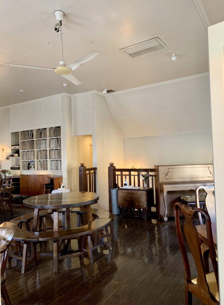 GOSPEL(ゴスペル) 京都カフェの内装と内観 アンティーク